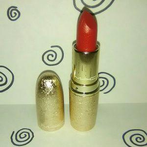 """Rouge En Snow"" Mac Snowball Lipstick"